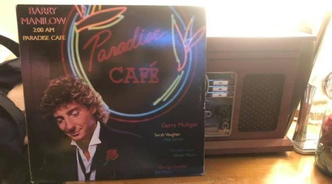 Barry Manilow – 2:00 AM Paradise CaFé